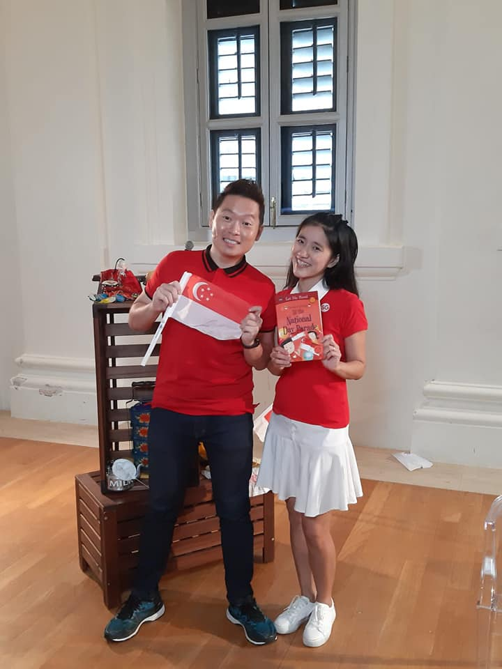 Singapore Emcee James Yang Happy Client Esther National Day