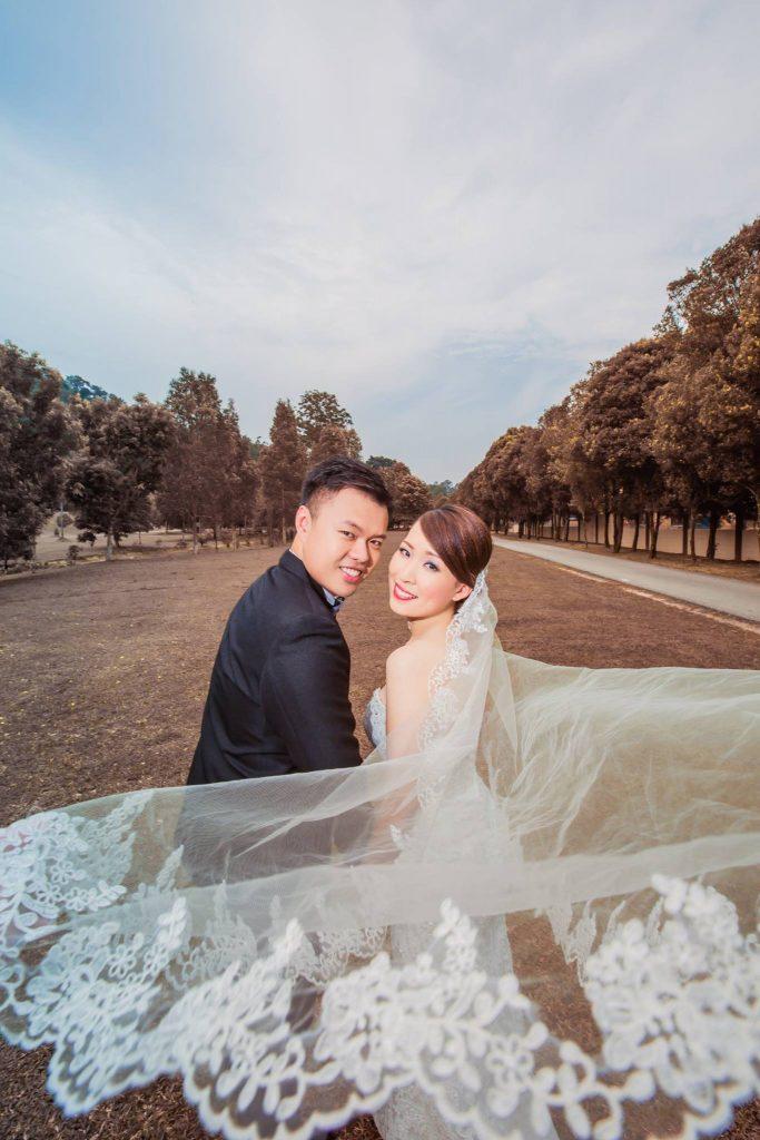 Emcee James Yang with Caryn Kwan